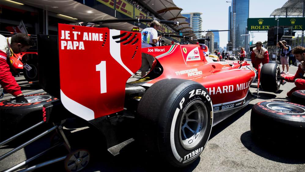 Leclerc dad rear wing.jpg