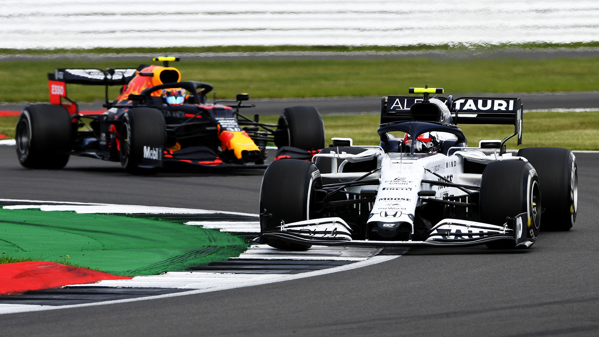 ANALYSIS: What does AlphaTauri's switch from Red Bull's 'junior' to 'sister' team actually mean? | Formula 1®