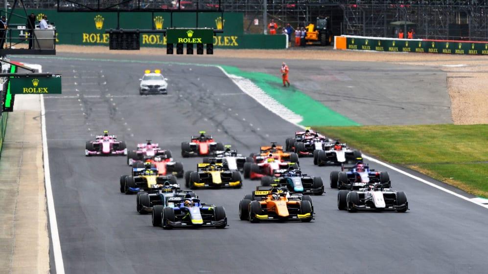 F2 start Silverstone.jpg
