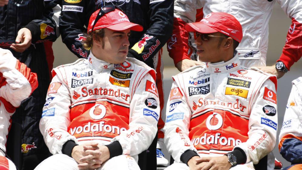 Fernando Alonso Lewis Hamilton.jpg