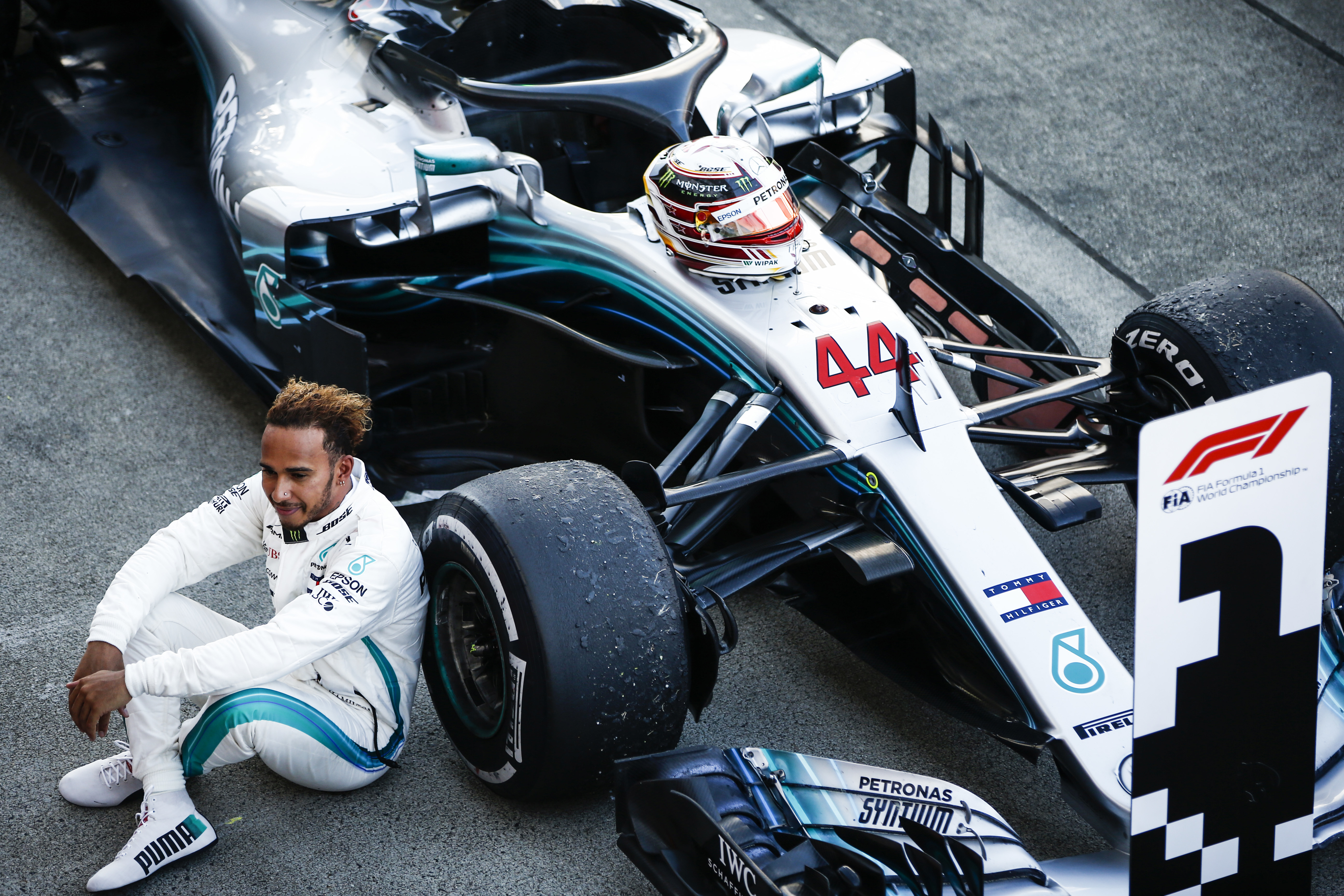 f1 lewis hamilton quiz after he secures his fifth world chamionship. Black Bedroom Furniture Sets. Home Design Ideas