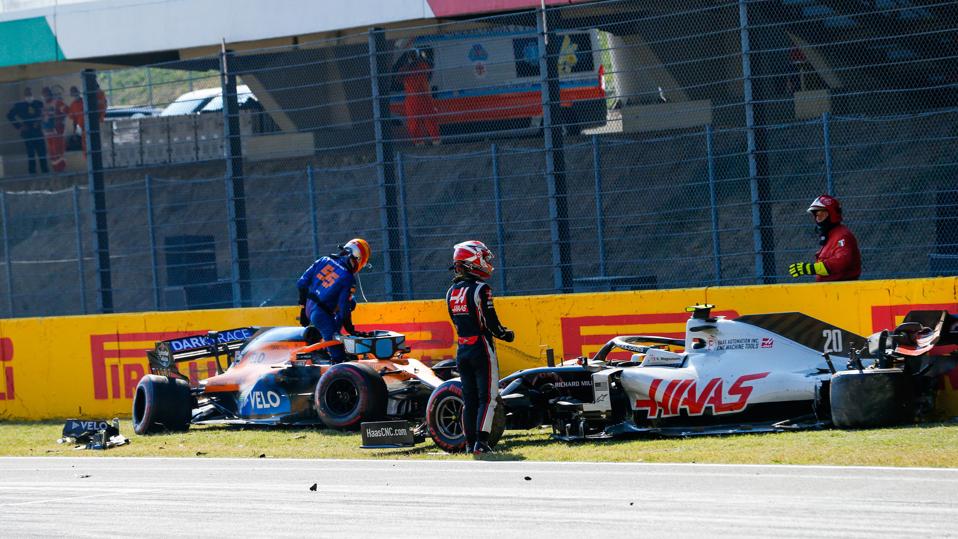 Sainz Keen For Talks In Russia To Ensure There S No Mugello Crash Repeat Formula 1