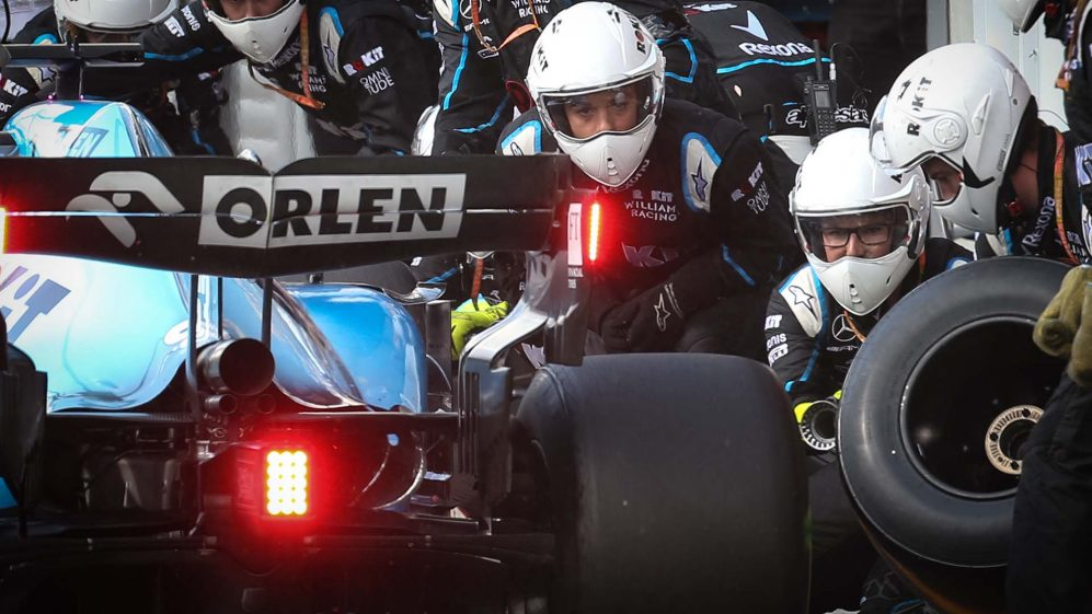 F1 pit stops explained: Gone in 1.88s - Putting together the perfect F1 pit stop   Formula 1®