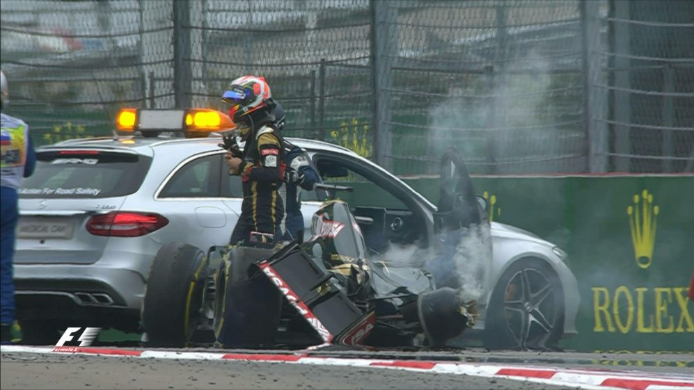 Race breaking news: Grosjean crashes out