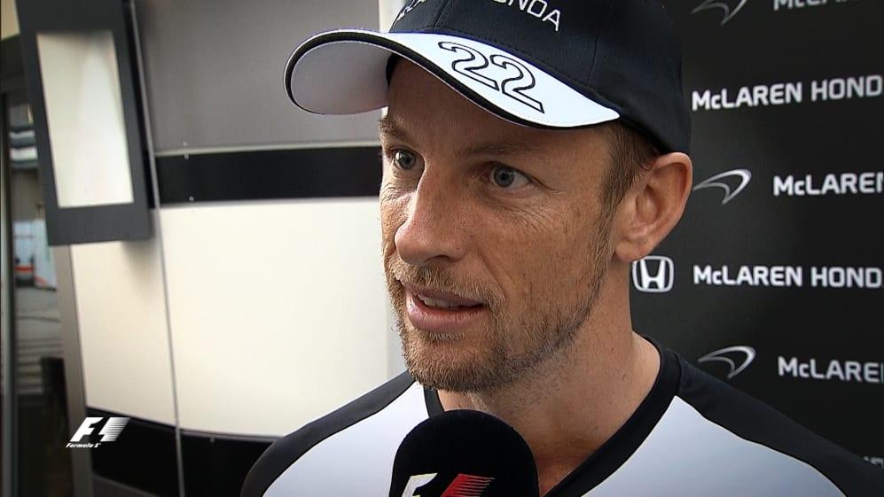 Jenson Button re-signs for McLaren