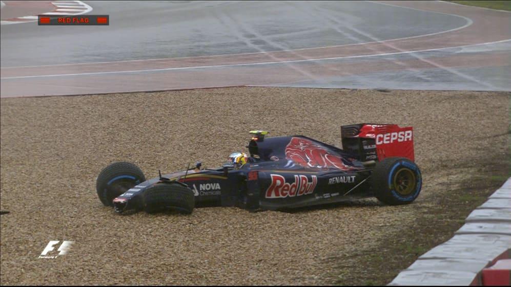Qualifying: Sainz crashes in wet conditions