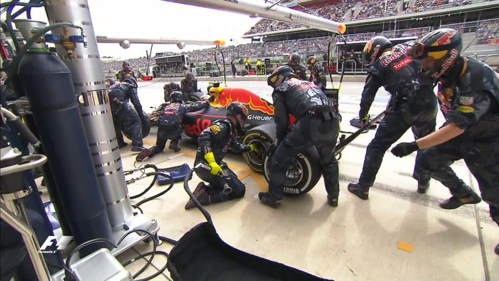 Race: Verstappen surprises his mechanics in unscheduled pit stop