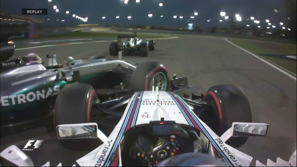 Race: First corner collision drops Hamilton back