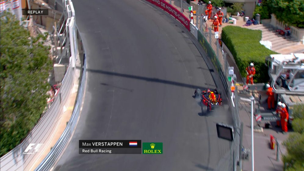 FP3: Verstappen tags the barriers