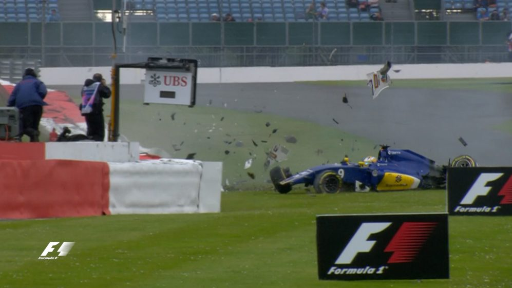 FP3: Ericsson wrecks his Sauber at Stowe