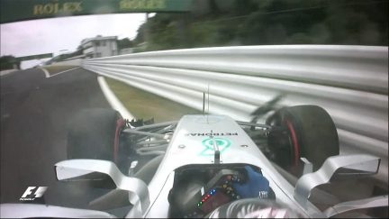 FP3: Bottas glancing blow brings out red flags