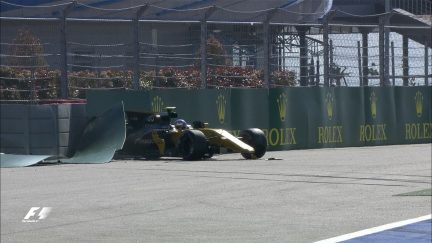 Qualifying: Palmer crashes out of Q1 in Sochi