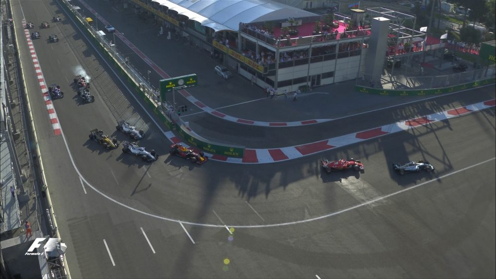 Race: Ricciardo makes up three places in one move