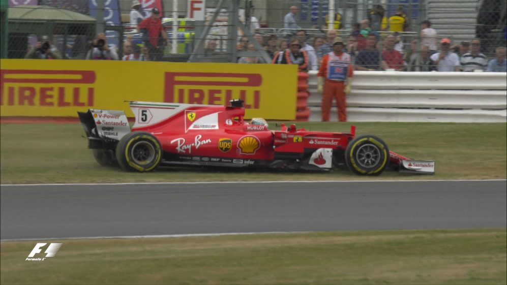 Race: Dramatic end costs Ferrari at Silverstone