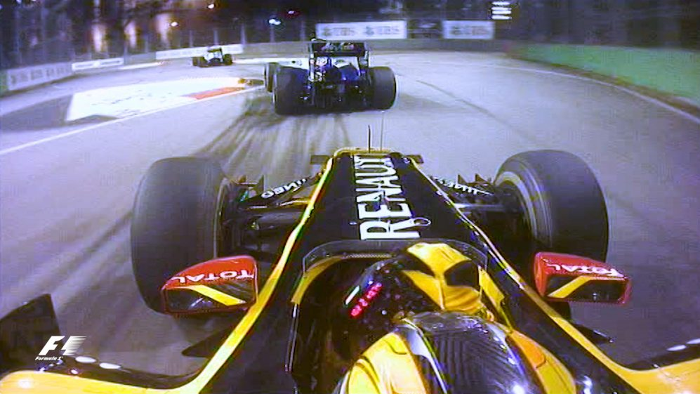 Classic onboard: Kubica slices through Singapore traffic