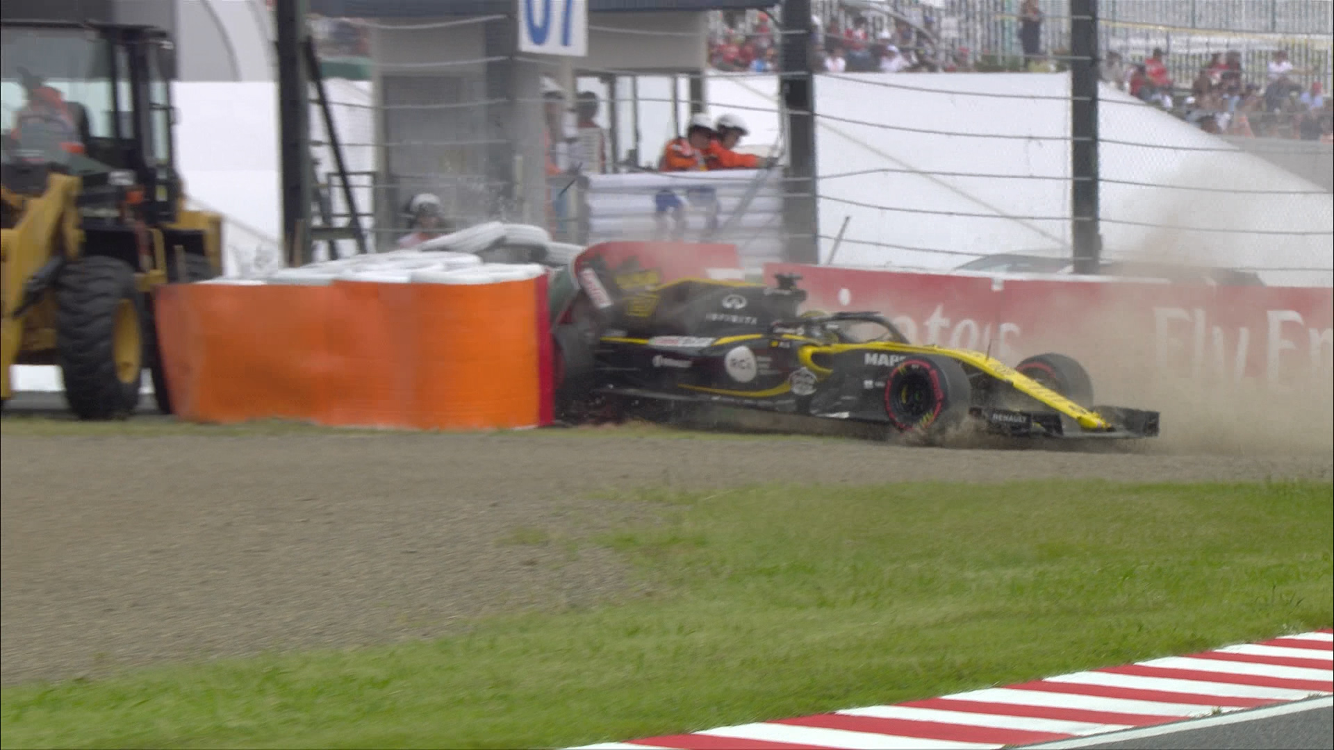 FP3: Hulkenberg brings out red flags after big impact with barriers