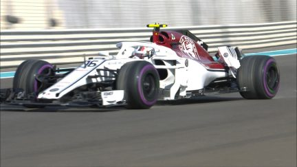 FP3: Leclerc rear-ends his Sauber into the barriers