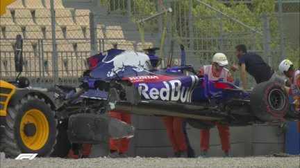 FP3: Big crash for Hartley halts final practice