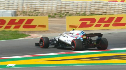 FP1: Kubica loses the rear and spins at Turn 13