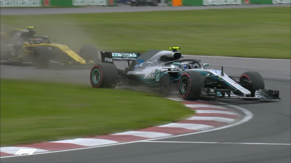 RACE: Bottas gets it wrong lapping Sainz
