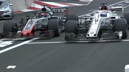 QUALIFYING: Grosjean and Ericsson duel in the pit lane