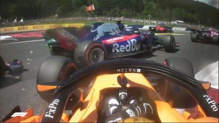 RACE: Vandoorne hits trouble on lap 1