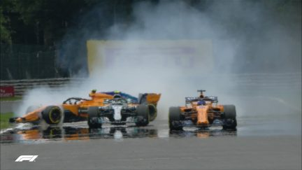 FP3: Vandoorne spins off after Bottas misunderstanding