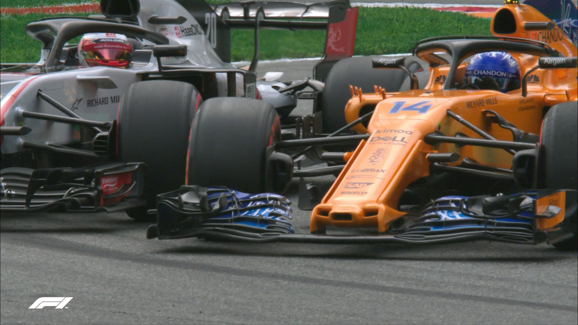 QUALIFYING: Alonso and Magnussen tangle at Turn 1