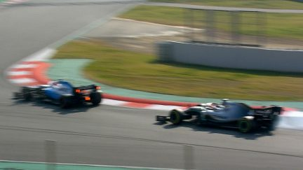 Testing Day 4: A near miss for Hamilton and Kubica