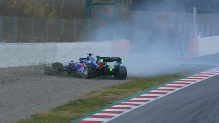 Testing Day 2: Albon suffers early spin on Toro Rosso debut