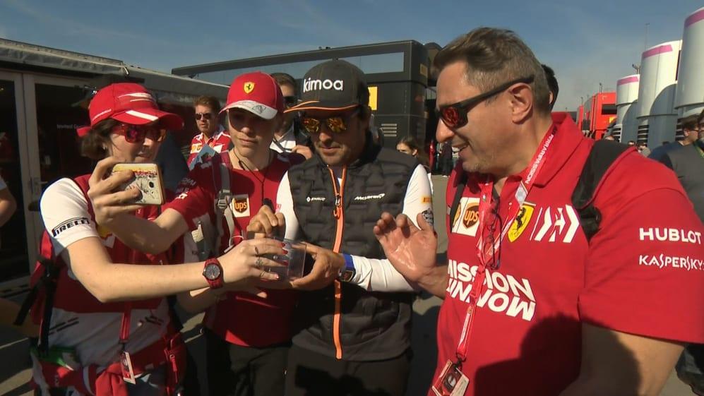 Pre-season Testing 2019: Fernando Alonso pays a surprise visit