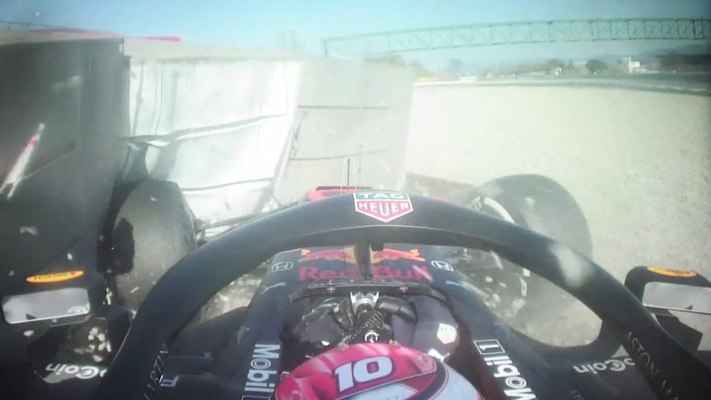Pre-season Testing 2019: Onboard as Gasly smashes into the barriers