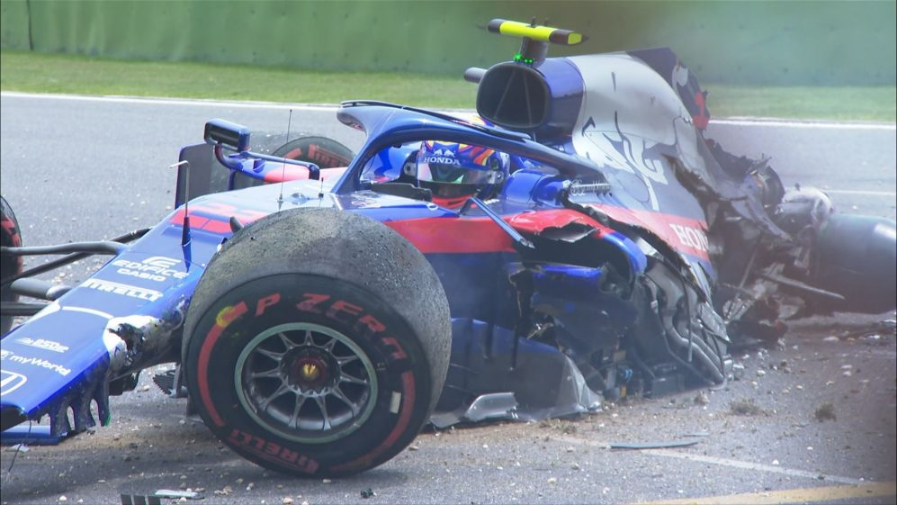 FP3: Toro Rosso's Albon suffers huge crash out of final corner
