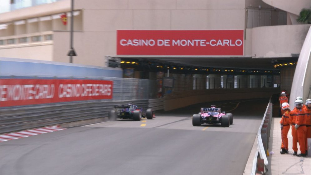 FP3: Kvyat clips the wall at the tunnel entrance