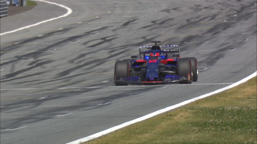 Qualifying: Kvyat left furious after almost hitting Russell in penultimate turn