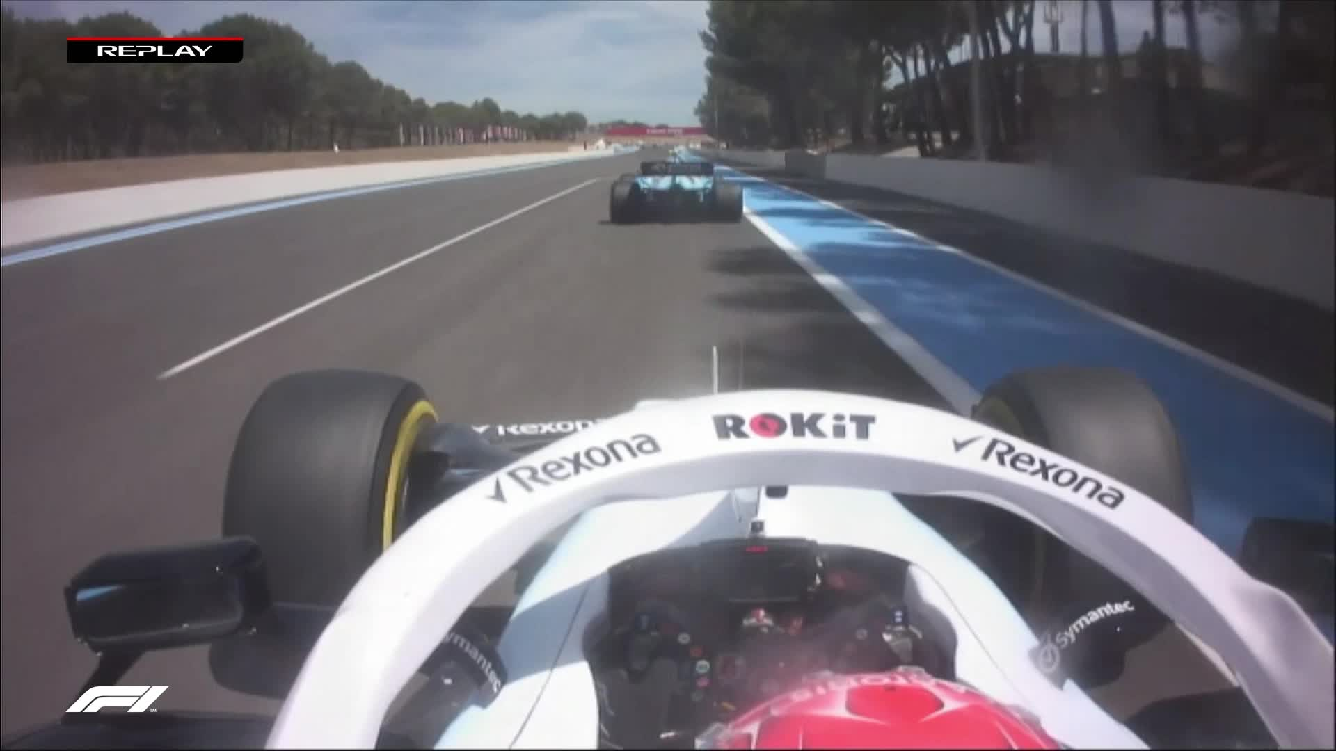 FRENCH GP: Russell takes out marker board in battle with Kubica