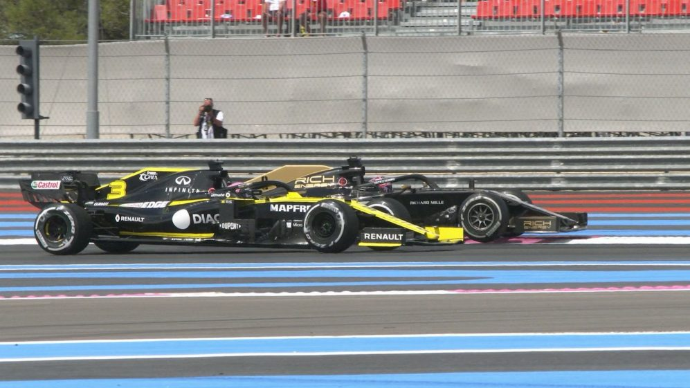 FRENCH GP: Grosjean runs off track in Ricciardo scrap