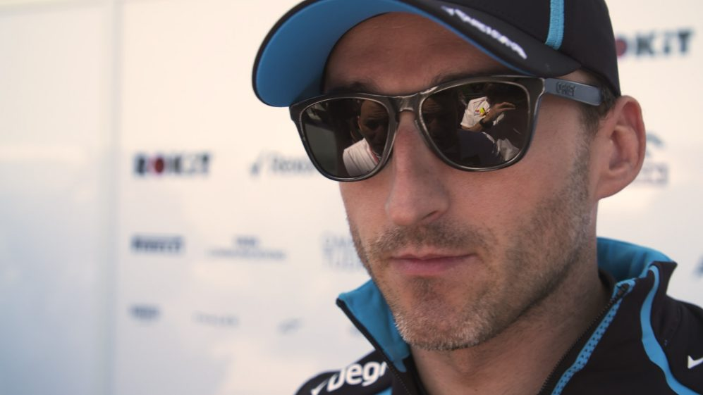 Robert Kubica: Williams 'too far off to be in the fight'