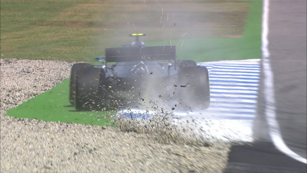 FP1: Bottas and Hamilton on the limit in the final turn
