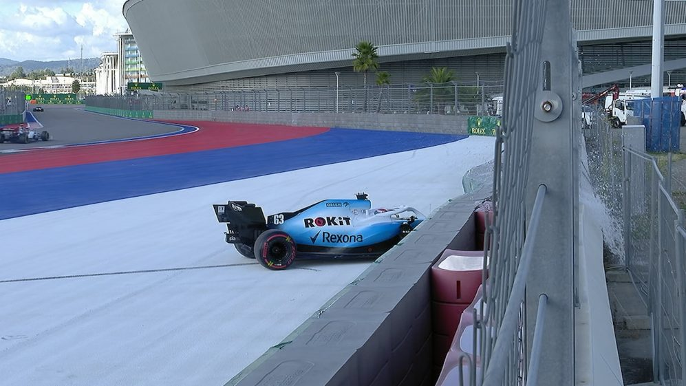 Russian GP: Russell crash brings out the Safety Car