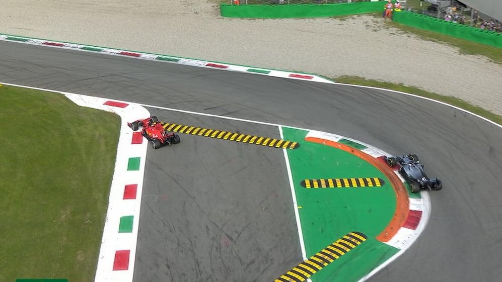 Italian GP: Hamilton pressures leader Leclerc into Turn 1 error