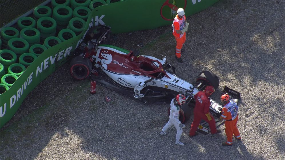 Qualifying: Q3 red-flagged after Raikkonen crashes at Parabolica