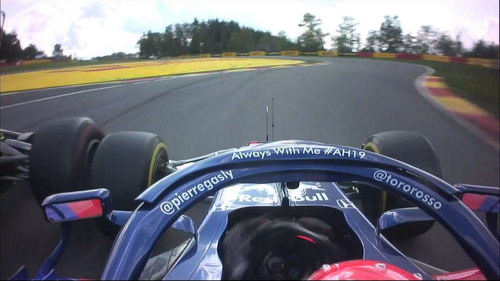 BELGIAN GP: Gasly and Magnussen touch wheels at Les Combes