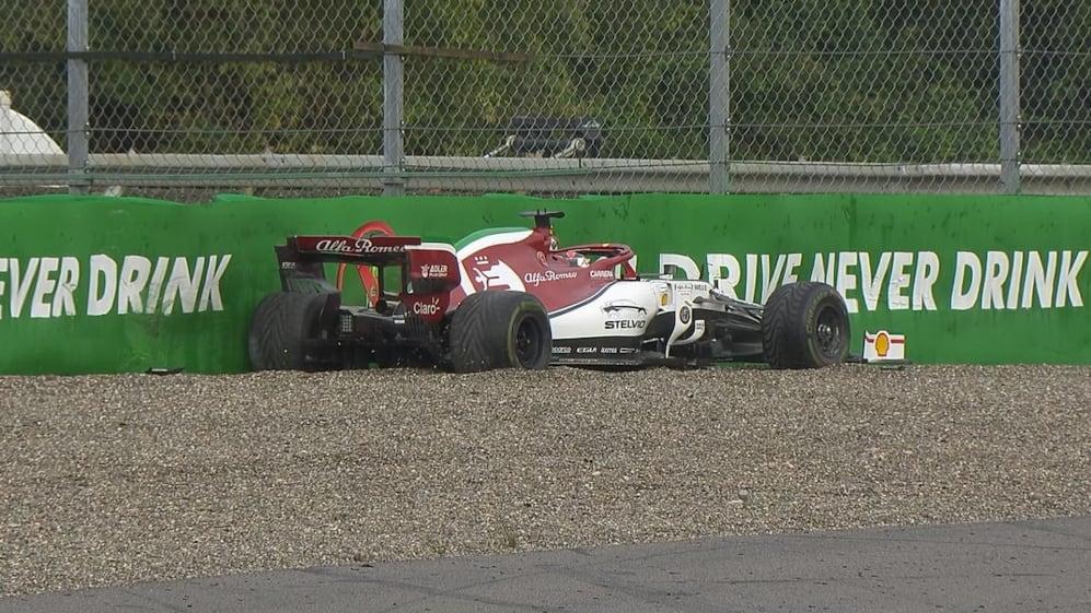 FP1: Red flags after Raikkonen spins at wet Parabolica