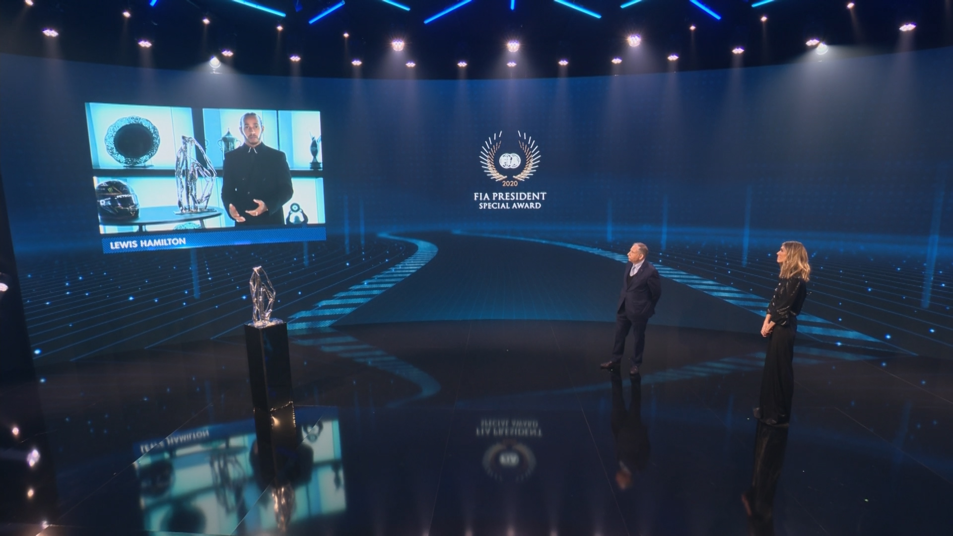WATCH: Hamilton and Mercedes officially crowned F1 world champions for 2020 - Formula 1 RSS UK