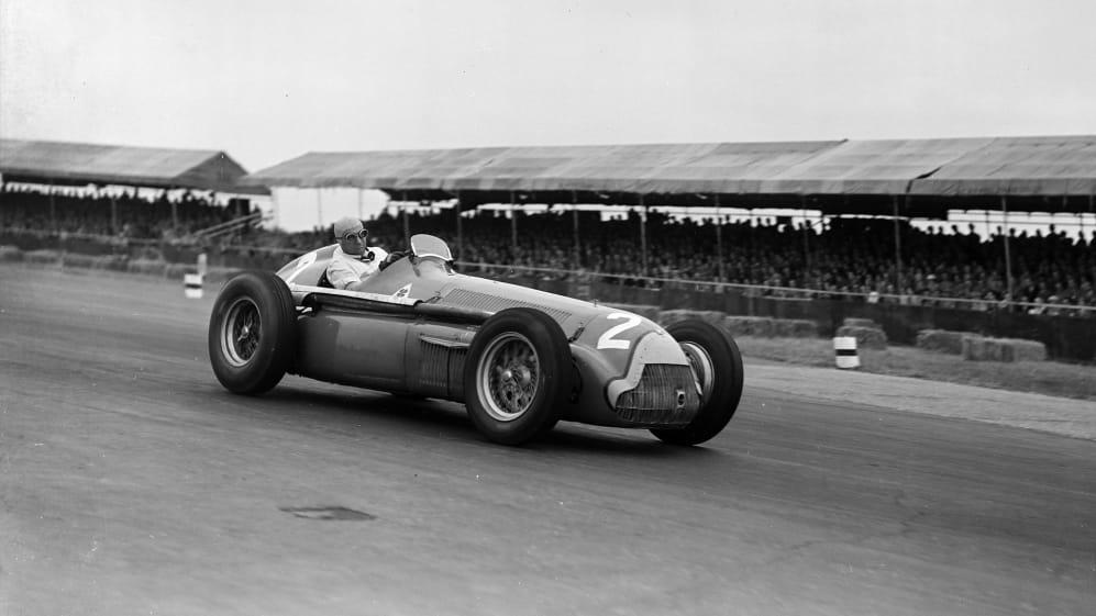 Fangio-Alfa-159-1951.jpg
