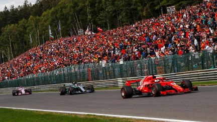 Hamilton closing on F1 title at Japanese GP