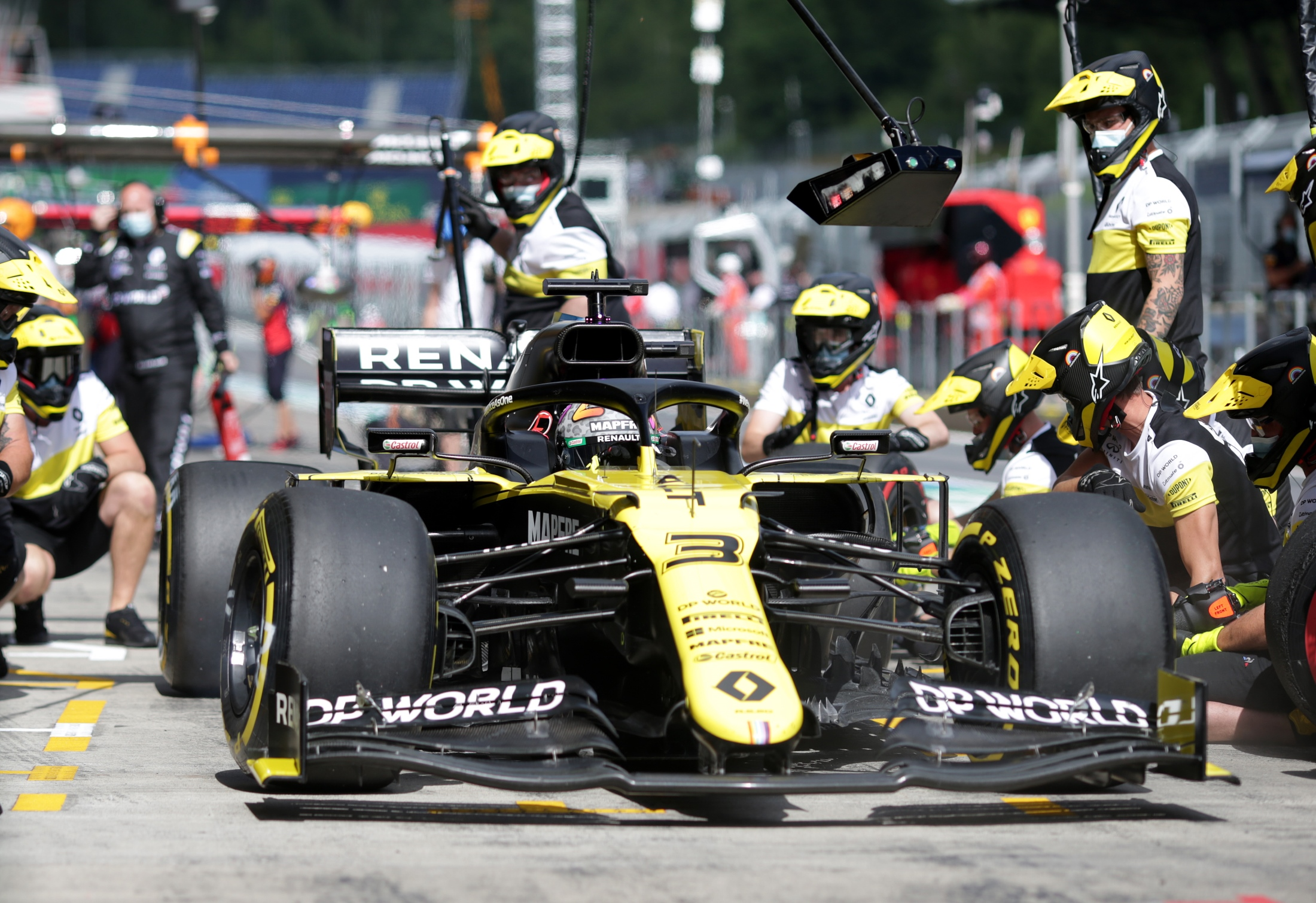 We Were Fast Ricciardo Feeling Good Vibes As Renault Is Quick Out Of The Box Formula 1