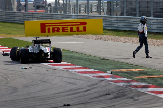 Adrian Sutil (GER) Sauber C33 walks away from his crippled car after Sergio Perez (MEX) Force India collided with him on lap 1. Formula One World Championship, Rd17, United States Grand Prix, Race, Austin, Texas, USA, Sunday, 2 November 2014