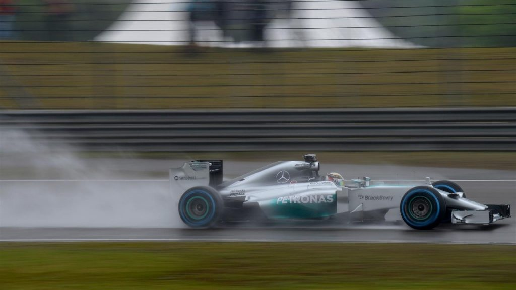 Qualifying%20analysis%20-%20Hamilton%20and%20Red%20Bull%20shine%20in%20Shanghai%20rain